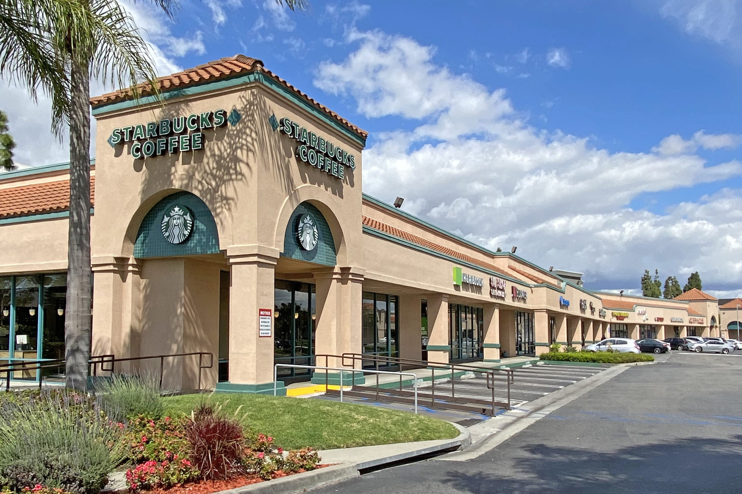 """Featured image for """"Faris Lee Investments Arranges $13 Million Off-Market Acquisition of Multi-Tenant Shopping Center in Orange County, CA"""""""